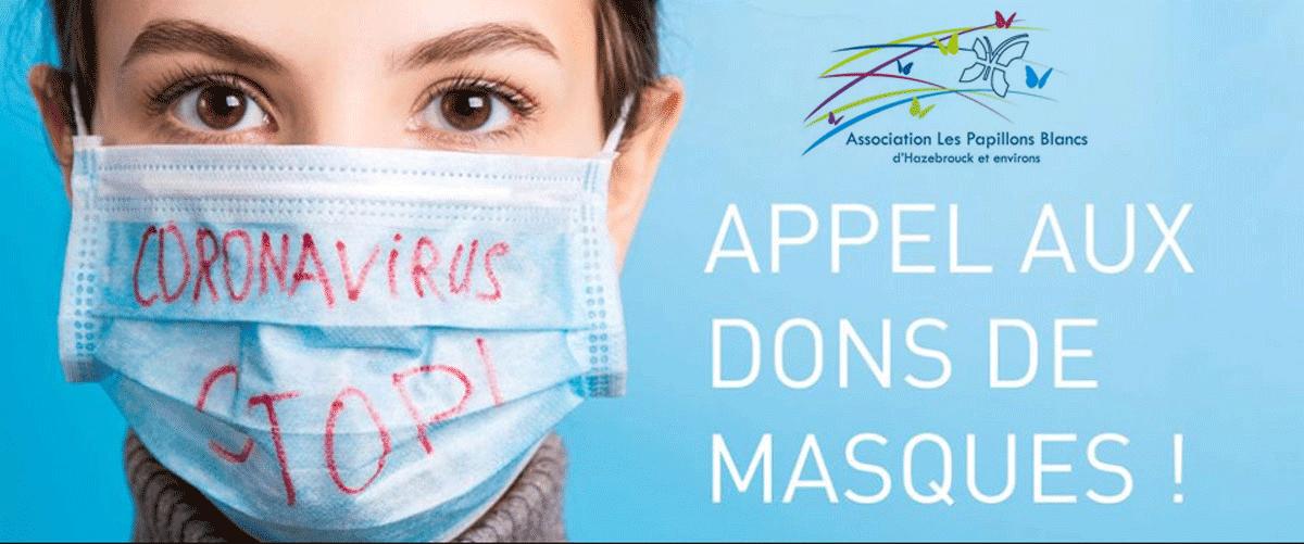 Femme portant un masque chirurgical. Il est écrit sur le masque